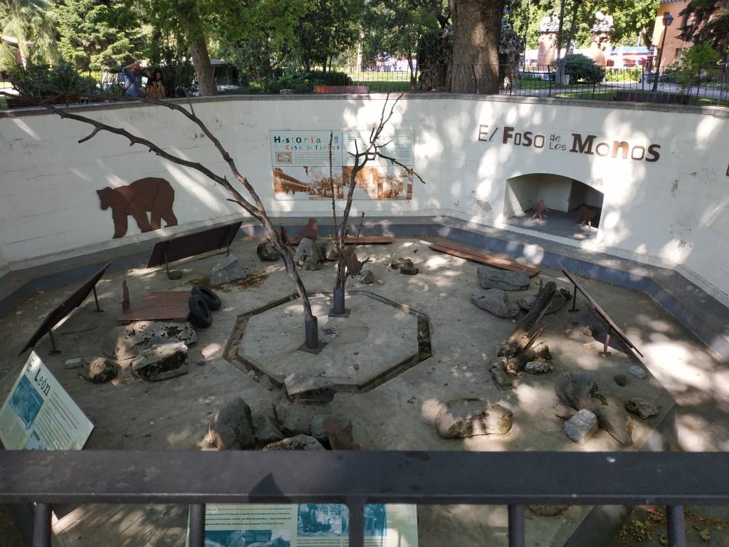 monos-primates-osos-polares-pardos-casa-de-fieras-zoologico-zoo-animales-caprichos-fernando-vii-madrid-jardines-buen-retiro-parque-historia