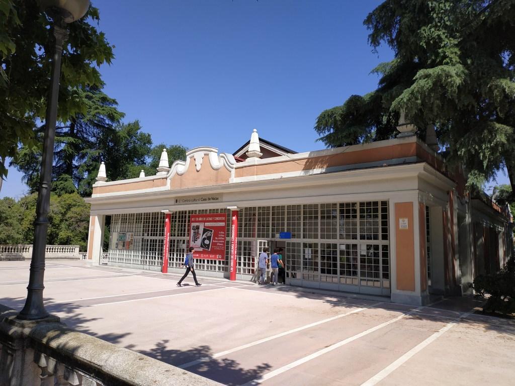 the cow-house-caprices-ferdinand-vii-reserve-madrid-gardens-buen-retiro-park-history