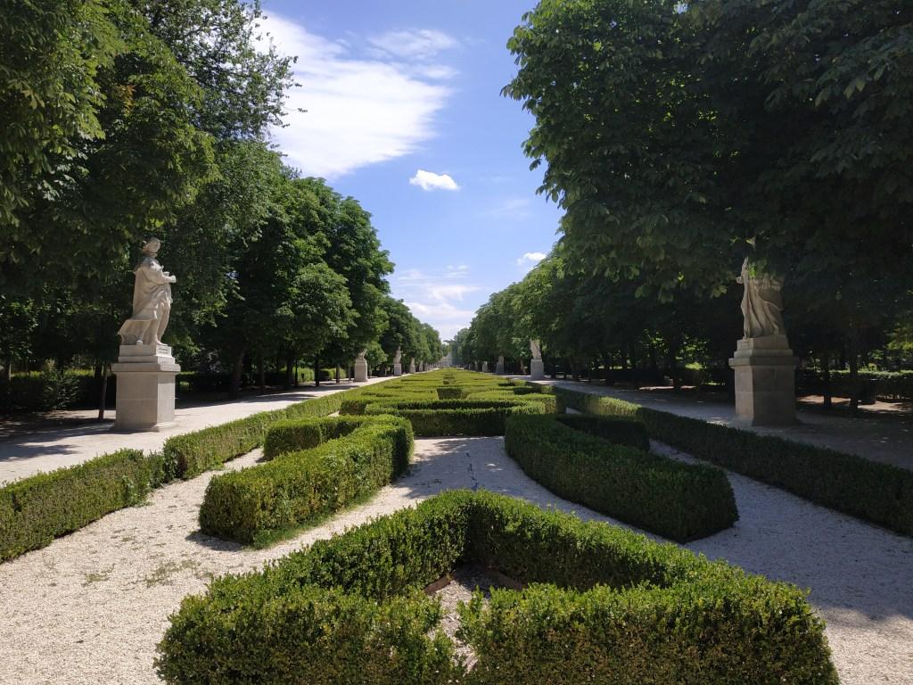 paseo-estatuas-isabel-farnesio-palacio-real-sueño-premonitorio-reservado-madrid-jardines-buen-retiro-parque-historia