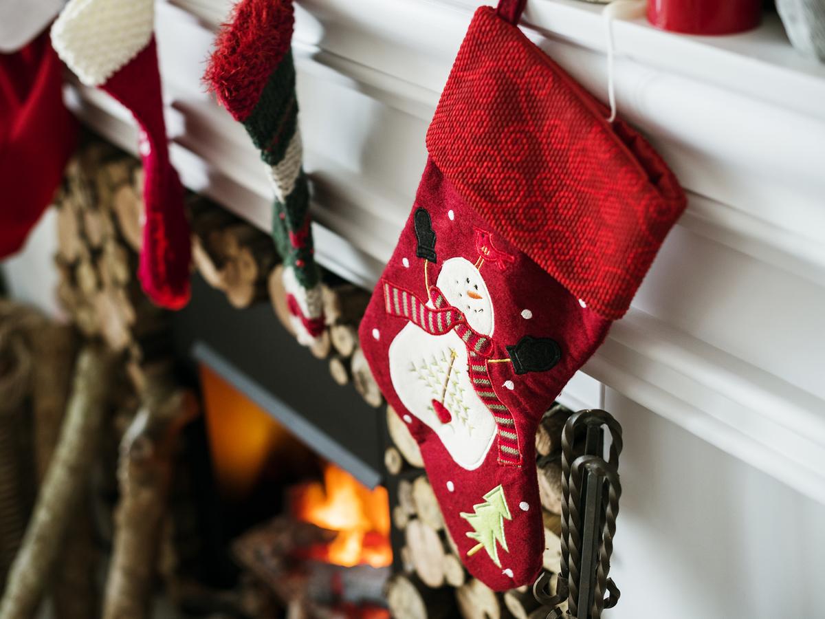 san-nicolas-bari-myra-patara-turquia-navidad-mitos-historia-calcetines-regalos-santa-claus-papa-noel