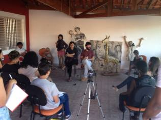 Entrevista coletiva feita pelos participantes do curso Repórter da Quebrada, no Extremo Sul