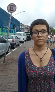 Ana Carolina do Carmo, 18 anos, girou o mundão pra conseguir se transferir da ETEC Jardim Ângela.