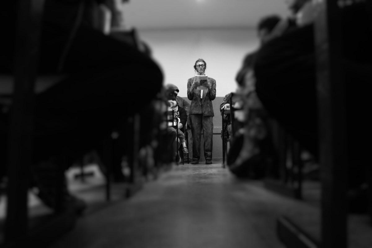 Peça teatral se passa dentro de sala de aula em escola do Grajaú