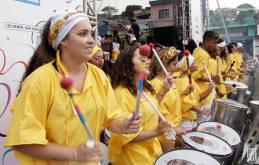 As mulheres são maioria no Bloco Afro É Di Santo (Foto: Divulgação)