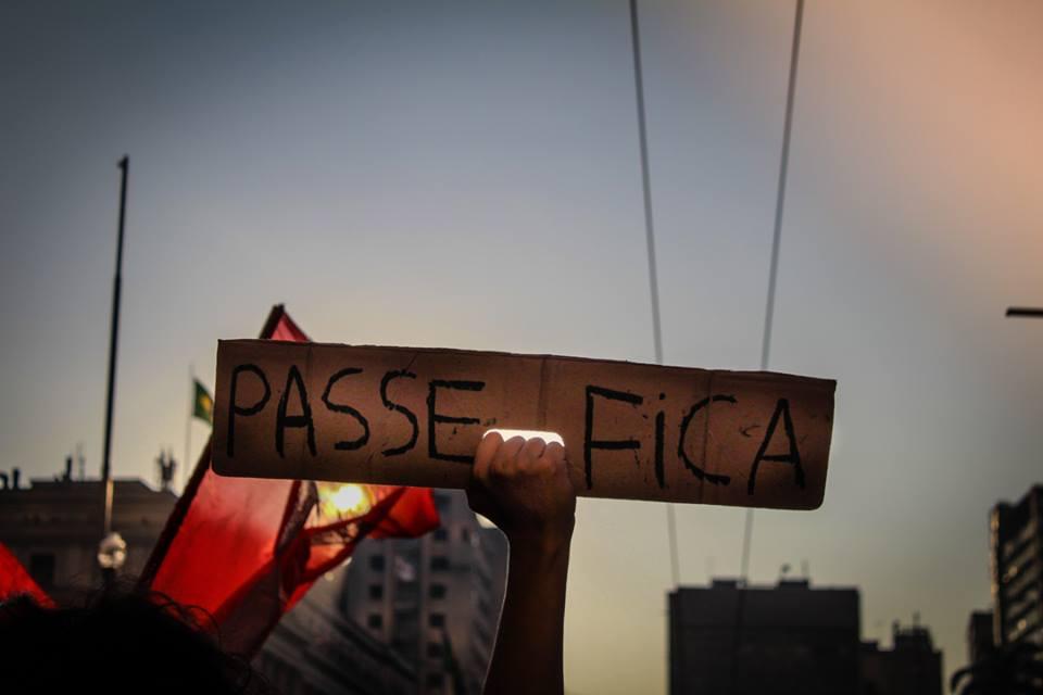 Estudantes se mobilizam contra as novas restrições do Passe Livre Estudantil