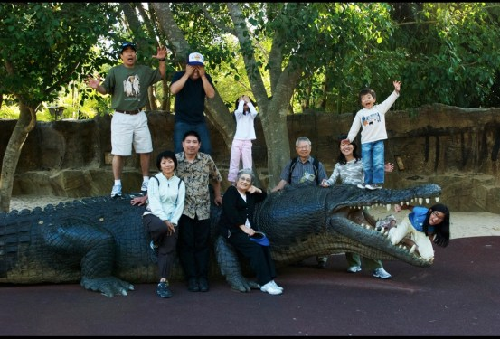 My sister Frances, from the USA, visited Australia. She brought the whole family, her three sons, (my beloved nephews), their two wives and the three grandchildren. We had fun at Steve Irwin's Zoo. She hadn't visited Australia for 17 years.