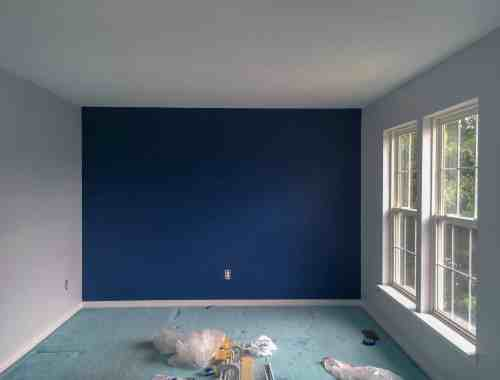 navy blue accent wall