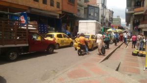 Se garantizaría que centros comerciales como Sanandresito Centro, Omnicentro, Panamá y la Plaza Central de Mercado, no sean afectados con la restricción. /FOTO SOFÍA ARENAS