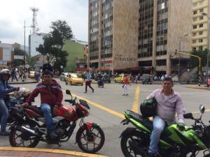 Algunos comerciantes anunciaron su intención de salir a protestar si las autoridades insisten en colocar el 'pico y placa' en el Centro. /FOTO SOFÍA ARENAS