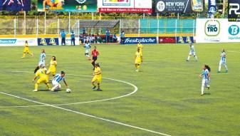 Atlético Bucaramanga ganó 4-0 su partido frente a Real Santander. Goles de Manuela González (2), Mayra Niño y Silvia Quintero. /FOTO KEVIN CALA PÁEZ