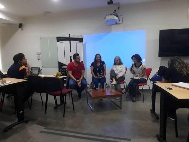 Los invitados dijeron que las ferias del libro cumplen un papel importante para la formación de los públicos que están enfocados en la lectura y escritura. / FOTO: LAURA NATALIA MOLINA