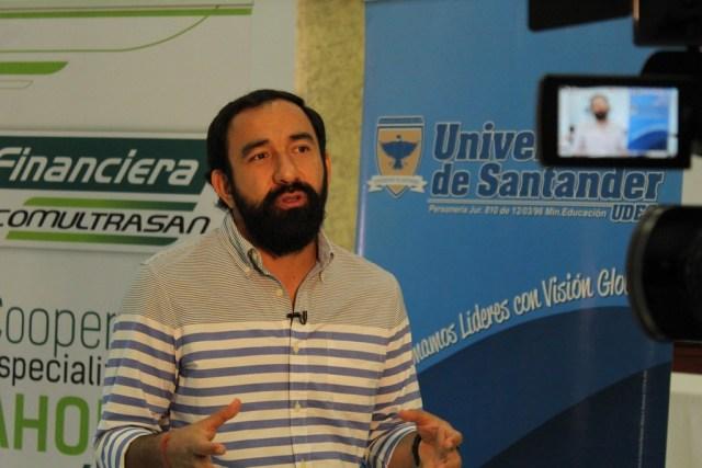 """""""La informalidad está en todos los municipios dado que llegan a lugares donde no hay transporte público"""" Johan Fernando Suárez. FOTO/ PABLO FUERMAN"""