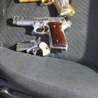 Balacera, persecución y aseguran tres armas y una camioneta