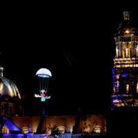 Por los aires Quixote arranca espectacular el Festival Internacional Teatro de Zaclle