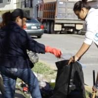 En Guadalupe sociedad participa en limpia de camellones y recoger Basura