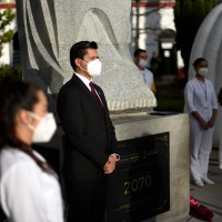 Alcalde guadalupense rinde tributo a personal Médico mediante Cápsula del Tiempo a 50 años