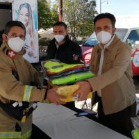 Elementos de Protección Civil de Villanueva, reciben Uniformes de manos de Miguel Torres