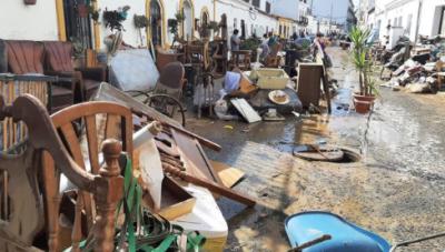 Mobiliario afectado por las inundaciones de Dana en Lepe. Fotografía: CanalSur Radio