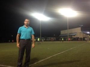 El sistema de iluminación de la cancha del Polideportivo es mejor que la de cualquier cancha pública del país y de algunos estadios. al menos así lo dijo Roberto Carlos Zumbado del CCDR.