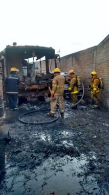 Incendio-buses-en-Villa-Rica-4