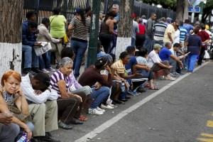 2015-08-06T170735Z_2063759233_GF20000015558_RTRMADP_3_VENEZUELA-LOOTING-900x600