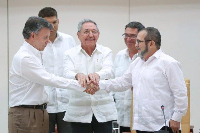 santos-timochenko-handshake