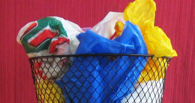flores-con-bolsas-de-plastico1