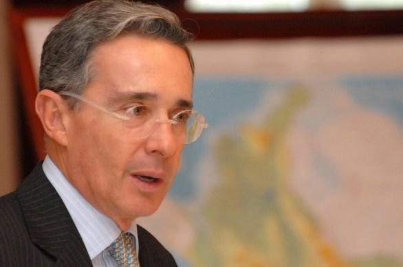 Álvaro Uribe (2)