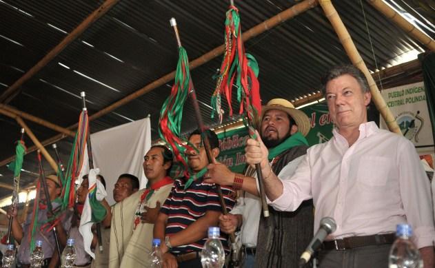 Instalación-del-encuentro-del-Presidente-Juan-Manuel-Santos-con-miembros-de-la-comunidad-indígena-del-Cauca-en-el-Resguardo-de-La-María-en-el-municipio-caucano-de-Piendamó.