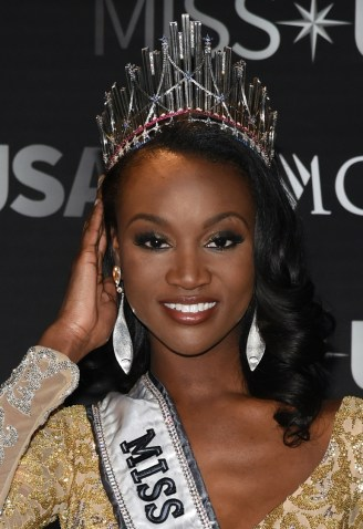 LAS VEGAS, NV - JUNE 05:  Miss District of Columbia USA 2016 Deshauna Barber poses for photos at a news conference after being crowned Miss USA at the 2016 Miss USA pageant at T-Mobile Arena on June 5, 2016 in Las Vegas, Nevada.  (Photo by Ethan Miller/Getty Images)