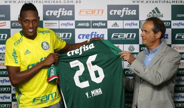 el-futbolista-colombiano-yerry-mina-en-su-presentacion-como-nuevo-jugador-del-palmeiras-brasileno-palmeiras