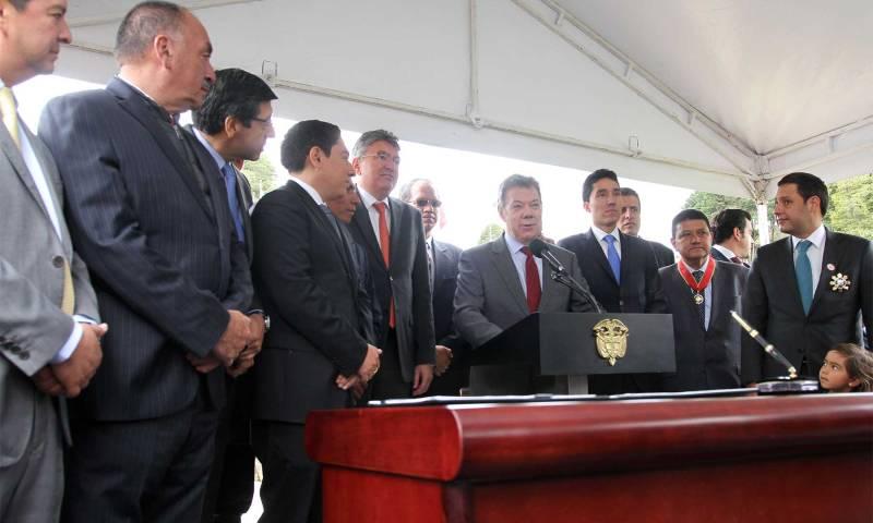 """""""Seguiré pedaleando por Boyacá hasta el último día de mi Gobierno"""", afirmó el Mandatario durante la firma del Contrato Plan por un billón de pesos."""