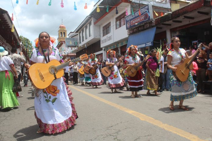 Paracho se prepara para la XLVI Feria Internacional de la Guitarra |  Periódico Viaje
