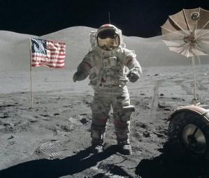 La estrella de la NBA Stephen Curry no se cree que el hombre llegara a la Luna