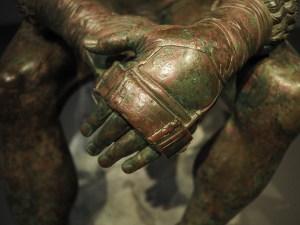 Hallan una desconcertante mano metálica de 3.500 años