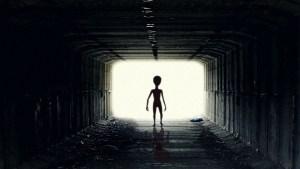 Increíble incidente con 4 extraterrestres en un túnel
