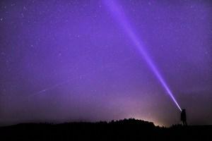 Un misterioso pilar de luz aparece sobre Canadá
