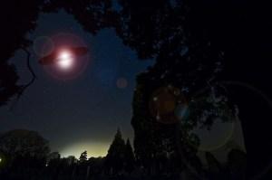 """""""El fenómeno ovni es real"""": Los astronautas de la NASA que creen que los extraterrestres nos visitan"""