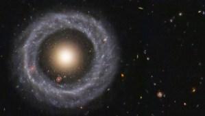 El objeto cósmico que nadie puede explicar: una galaxia dentro de una galaxia dentro de una galaxia