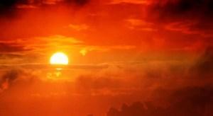 Algo extraño le sucede al Sol
