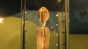 El misterioso ídolo de Shigir dobla en antigüedad a las pirámides de Egipto