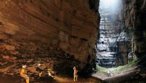 Cueva de los Tayos – Revelación del Mundo Subterráneo