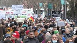 """Miles de personas marcharon en Madrid contra las restricciones por Covid-19: """"ante normas injustas, lo justo es desobedecer"""""""