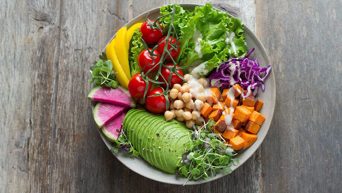 ¿Cuántas frutas y verduras hay que comer para vivir más? Un estudio de Harvard determina la cantidad y la combinación óptimas