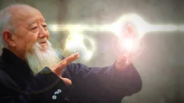 Maestro japonés puede controlar a los animales utilizando su poder mental y sus técnicas del Chi