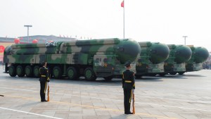 Imágenes satelitales muestran que China estaría construyendo un segundo campo de silos para misiles nucleares