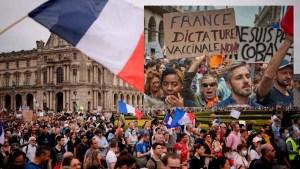 """Masivas protestas en Francia contra el pasaporte sanitario y la vacunación obligatoria: """"No a la dictadura sanitaria"""""""