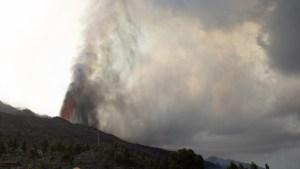 Surge una nueva boca eruptiva en el volcán de la isla española de La Palma y evacúan a todos los vecinos de Tacande