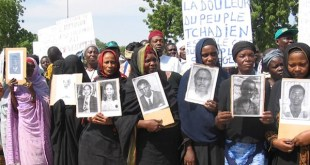 Protestas de víctimas de Habré en Chad. Democracy Now! 2005