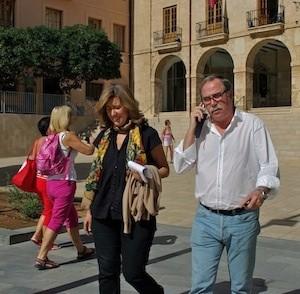 Ana Kringe, alcaldesa de Dénia, y Javier Ygarza, concejal de Seguridad y Movilidad. (C) Manuel López 2012